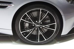 Aston Martin DB9 wheel